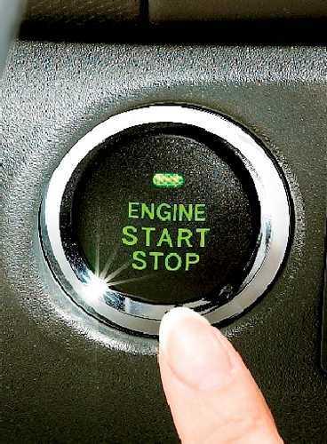 Nyckelfritt. En knapp gör att du startar lyxversionen av Yaris.