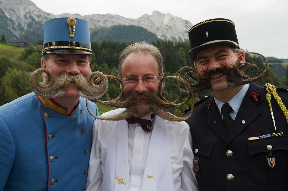 """Vinnarna i kategorin """"kindskägg och kejserliga polisonger"""". Från vänster Franz Mitterhauser (Österrike), Juergen Burkhard (Tyskland) and Herve Diebolt (Frankrike)."""