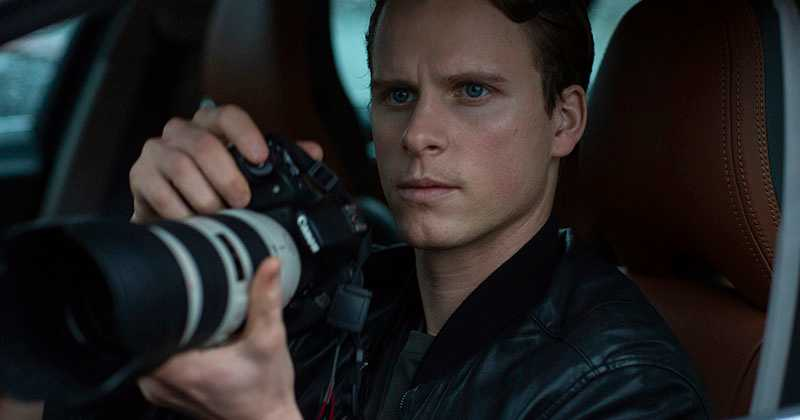"Adam Pålsson som en ung Kurt Wallander i ""Young Wallander""."