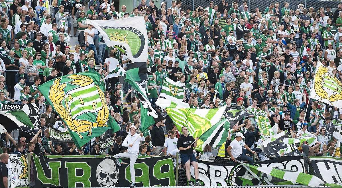 Ett tusental Hammarby-fans hade tagit sig till Växjö.