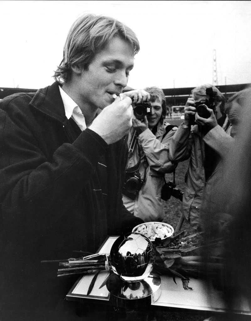 Torbjörn Nilsson tilldelades Guldbollen, och anlände i helikopter.