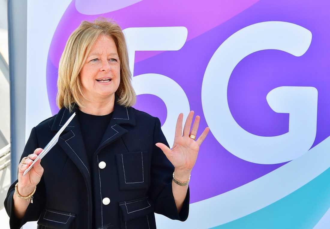 Telias vd Allison Kirkby vid en tidigare invigning av ett lokalt 5G-nät. Arkivbild.