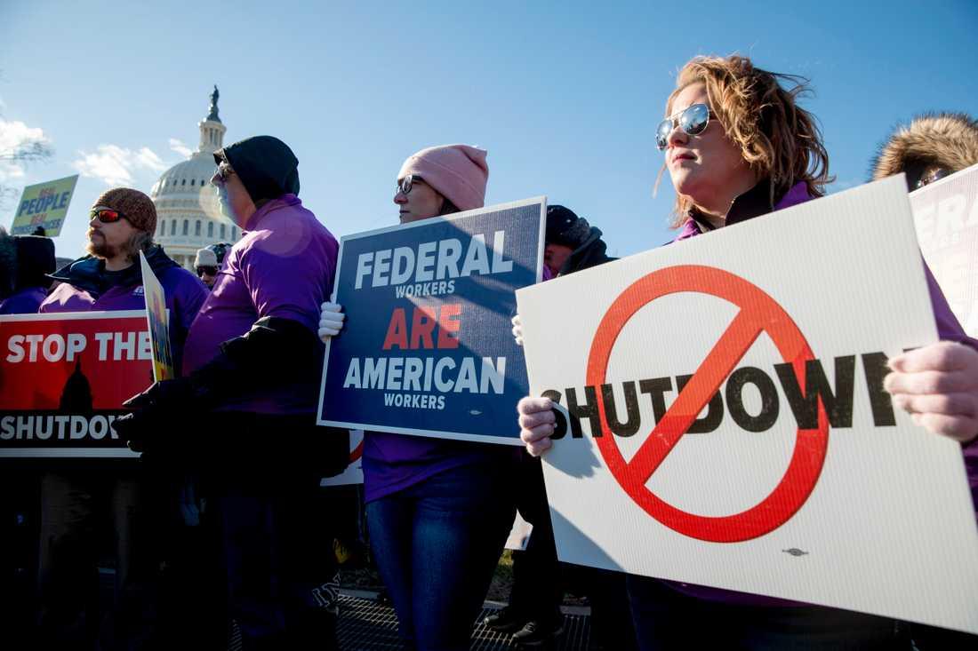 Demonstrationer mot nedstängningen av statsapparaten i Washington DC tidigare i januari.