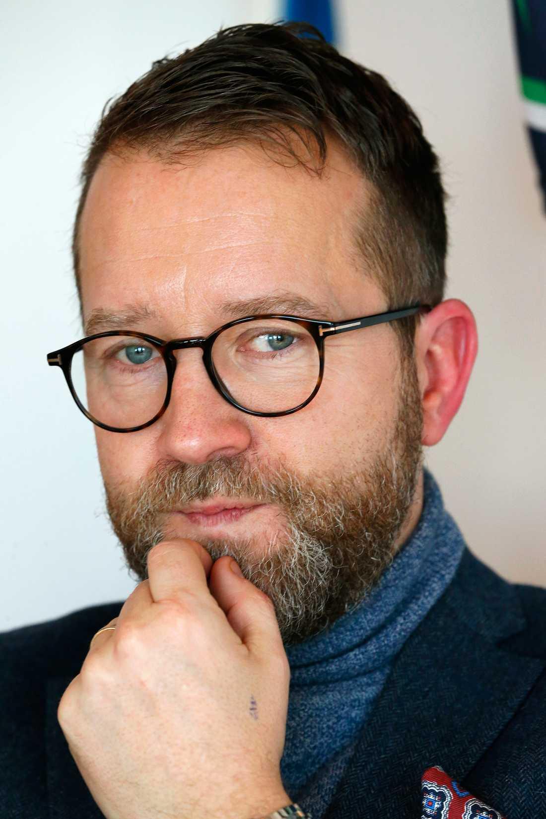 Endast fyra Elitloppsbiljetter kvar att dela ut för Solvallas sportchef Anders Malmrot