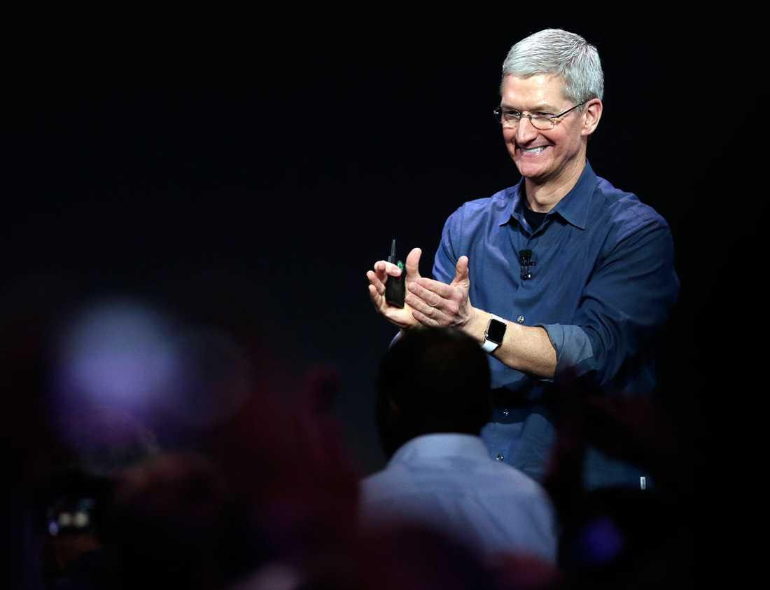 Apples vd Tim Cook – superglad över all uppmärksamhet och alla nya prylar.