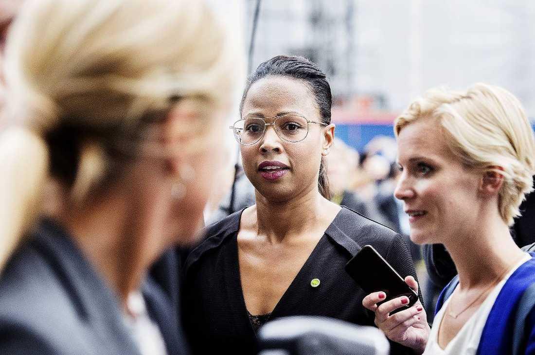 Kulturminister Alice Bah Kuhnke har kritiserats hårt av flera tunga kulturpersonligheter.