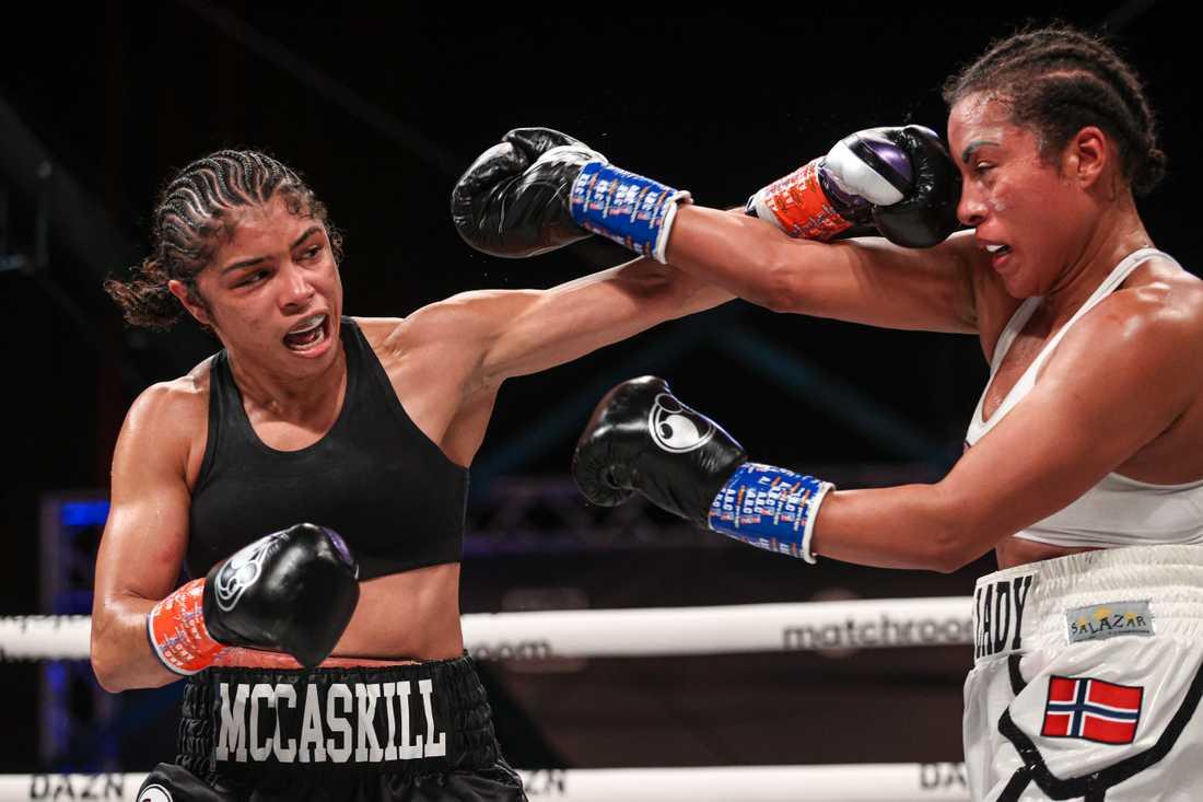 Jessica McCaskill blev en för tuff nöt för Cecilia Brækhus att knäcka och norskan förlorar därmed sina mästarbälten.