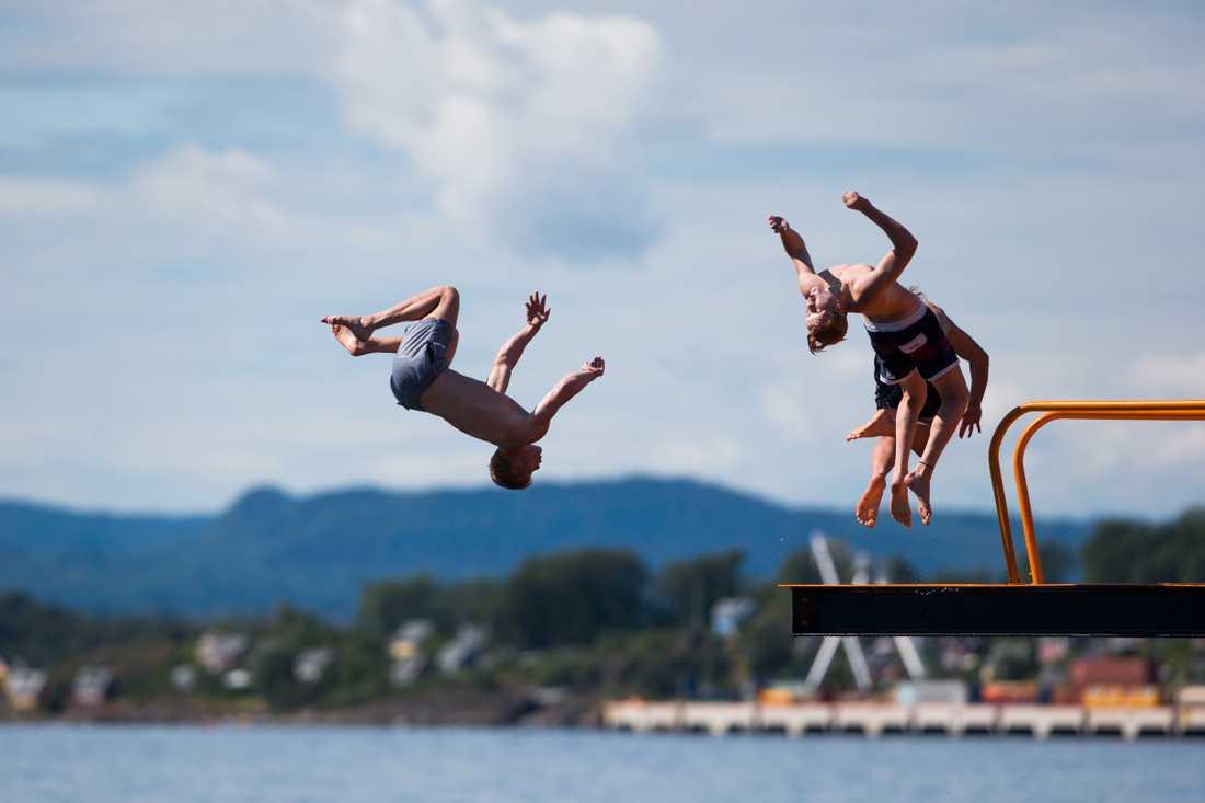 När allt fler vill bada ökar också risken för drunkningsolyckor. Arkivbild