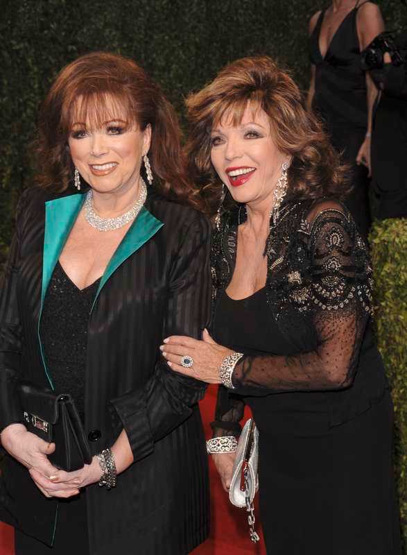 Jackie Collins med systern Joan 2009.