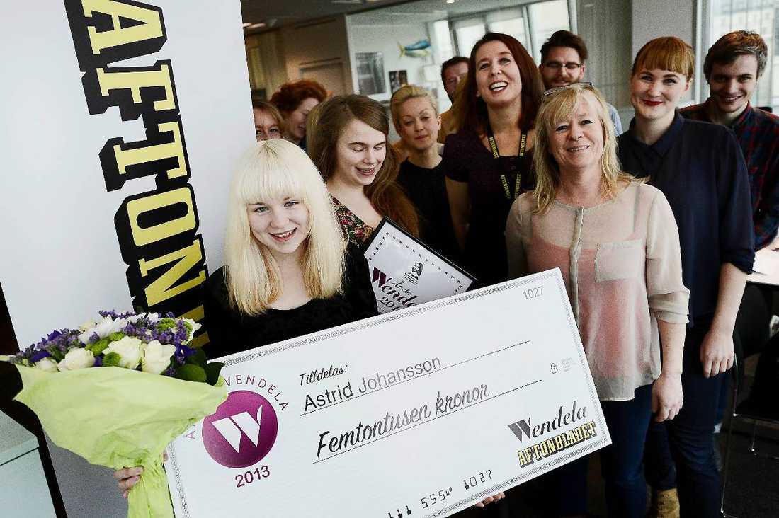 """VÄRDIG VINNARE  Astrid Johansson, 14, vinner utmärkelsen Årets Wendela. """"Det känns jättebra. Det betyder att fler står bakom mig och tycker att det här är en viktig fråga"""", säger hon."""