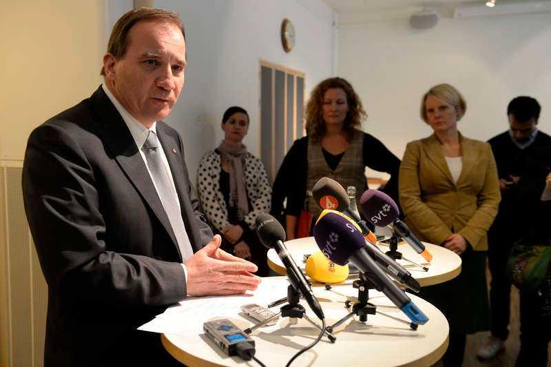 Pressas av facketS-ledaren Stefan Löfven har – precis som statsminister Reinfeldt – fått en påminnelsefaktura från lärarnas fackförbund.