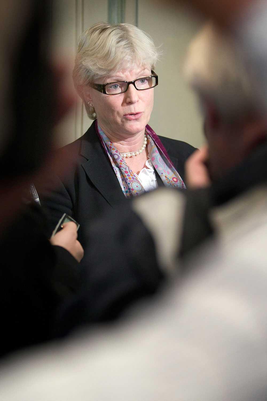 Karin Forseke, investerare och rådgivare och före detta Carnegiechef,  har också skrivit under.
