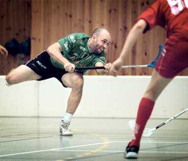 """Träder fram Värlsmästaren Jonas """"Silen"""" Eriksson, här i Nerikes tröja i Elitserien 2002, har just avtjänat sitt fängelsestraff för det planerade värdetransportsrånet. Nu träder han fram."""
