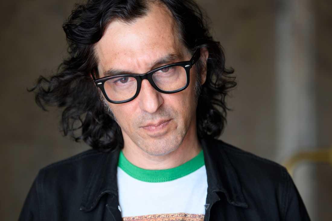 """""""Det här är bara underhållning, det är inte en politisk serie. Samtidigt blir allt politiskt"""", säger regissören Amir Chamdin om sin nya originalserie """"Partisan""""."""