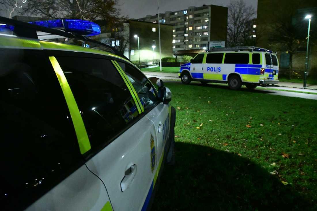 Poliser i området.