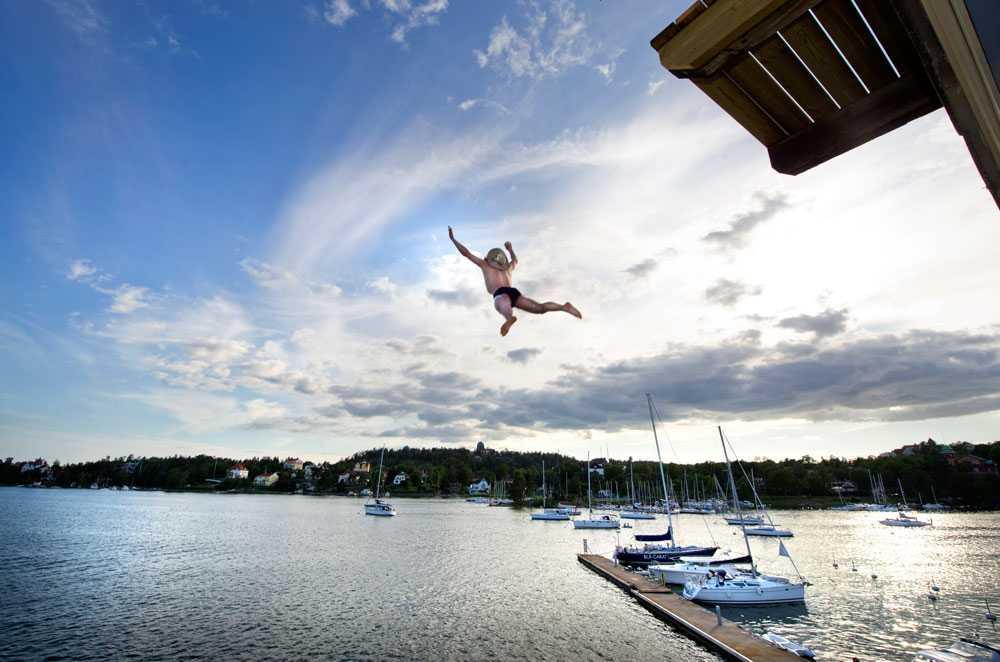 Adam Widén hoppar dödshopp.