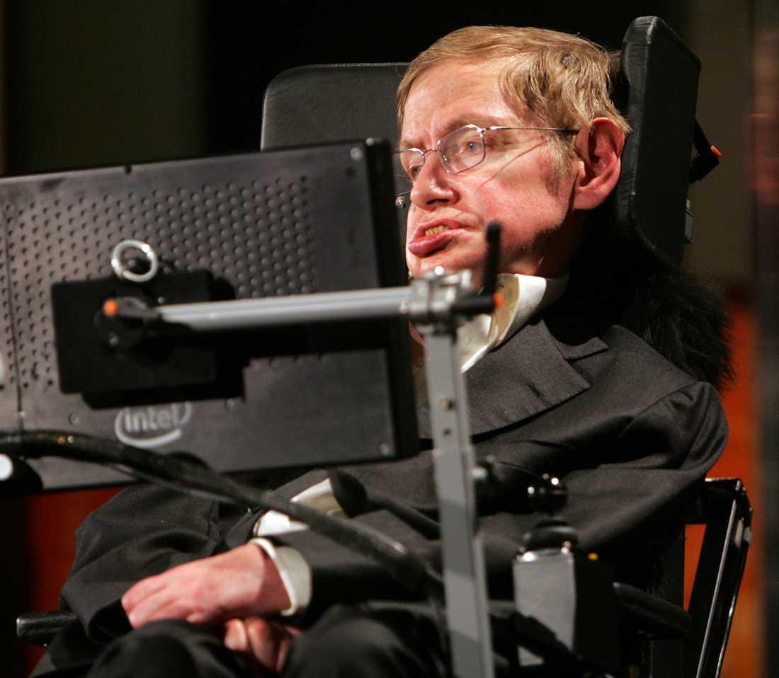 Hawking befarar att människan skulle kunna ersättas av AI.