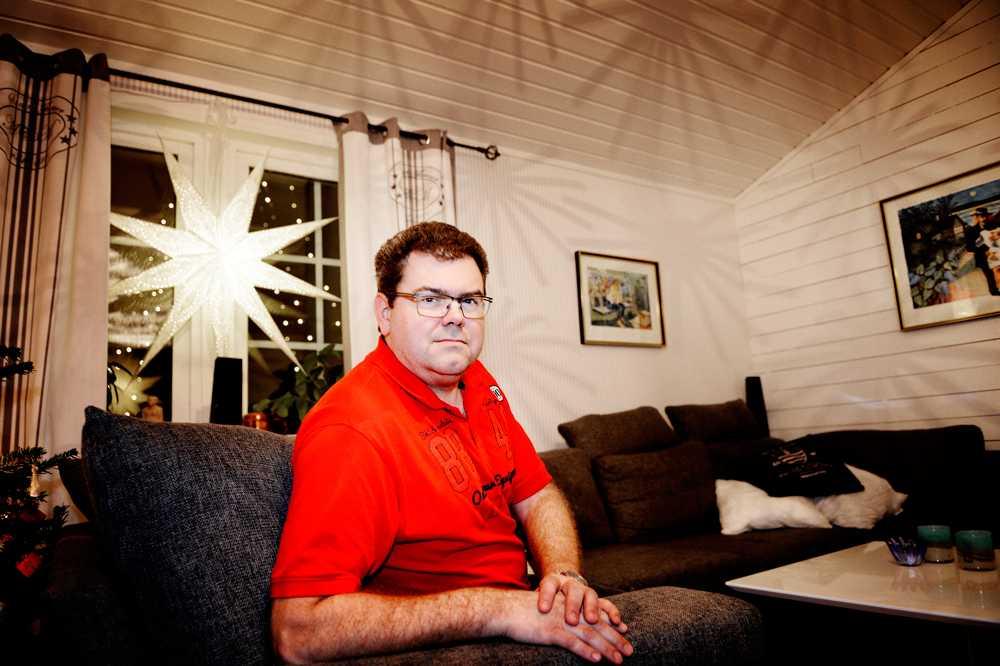 Per Ring var och tittade på en Acer-laptop till sin dotter på Elgigantens rea i Sickla.