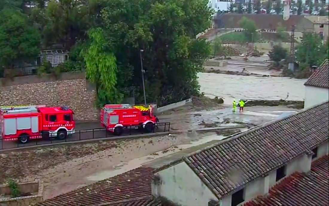 Räddningsarbete pågår i staden Ontiyente i Spanien.