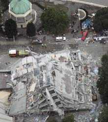 Många byggnader kollapsade i skalvet.