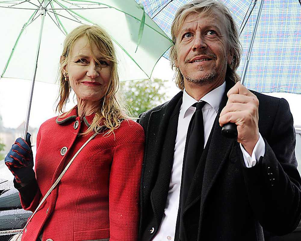 30 år varade äktenskapet mellan konstnärsparet Helene, 50, och Ernst Billgren, 55. De har tre barn tillsammans.