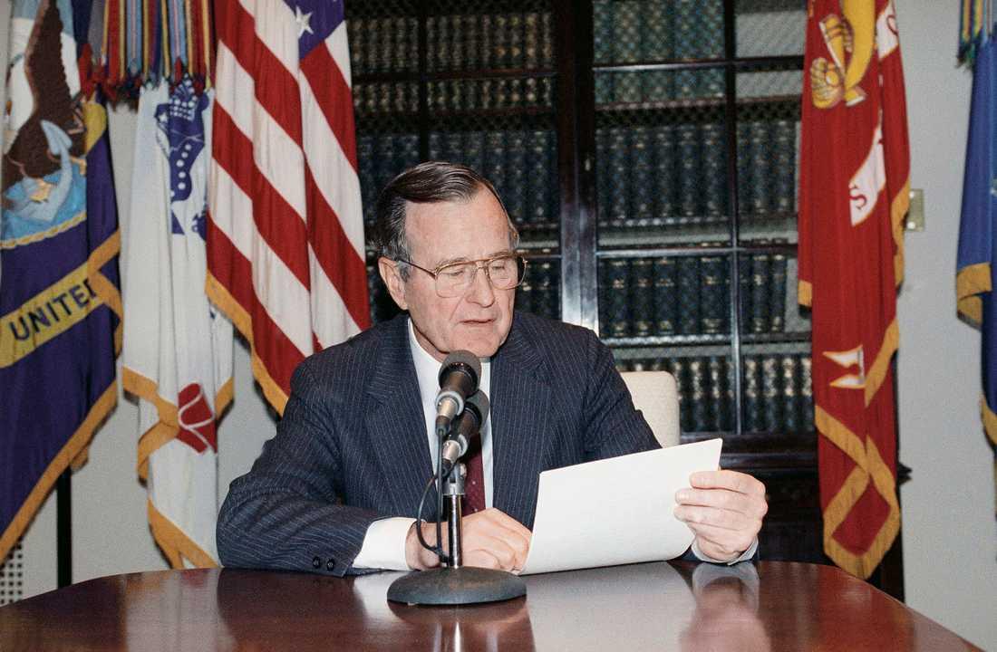 George Bush den äldre i Vita huset 1990.