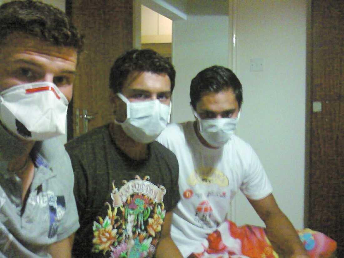 isolerade på cypern Victor Nilsson, 18, fick svininfluensan när han semestrade på Cypern. Nu ligger han isolerad på sjukhus. Hans resekamrater som kan ha fått influensan sitter i karantän på hotellrummet.