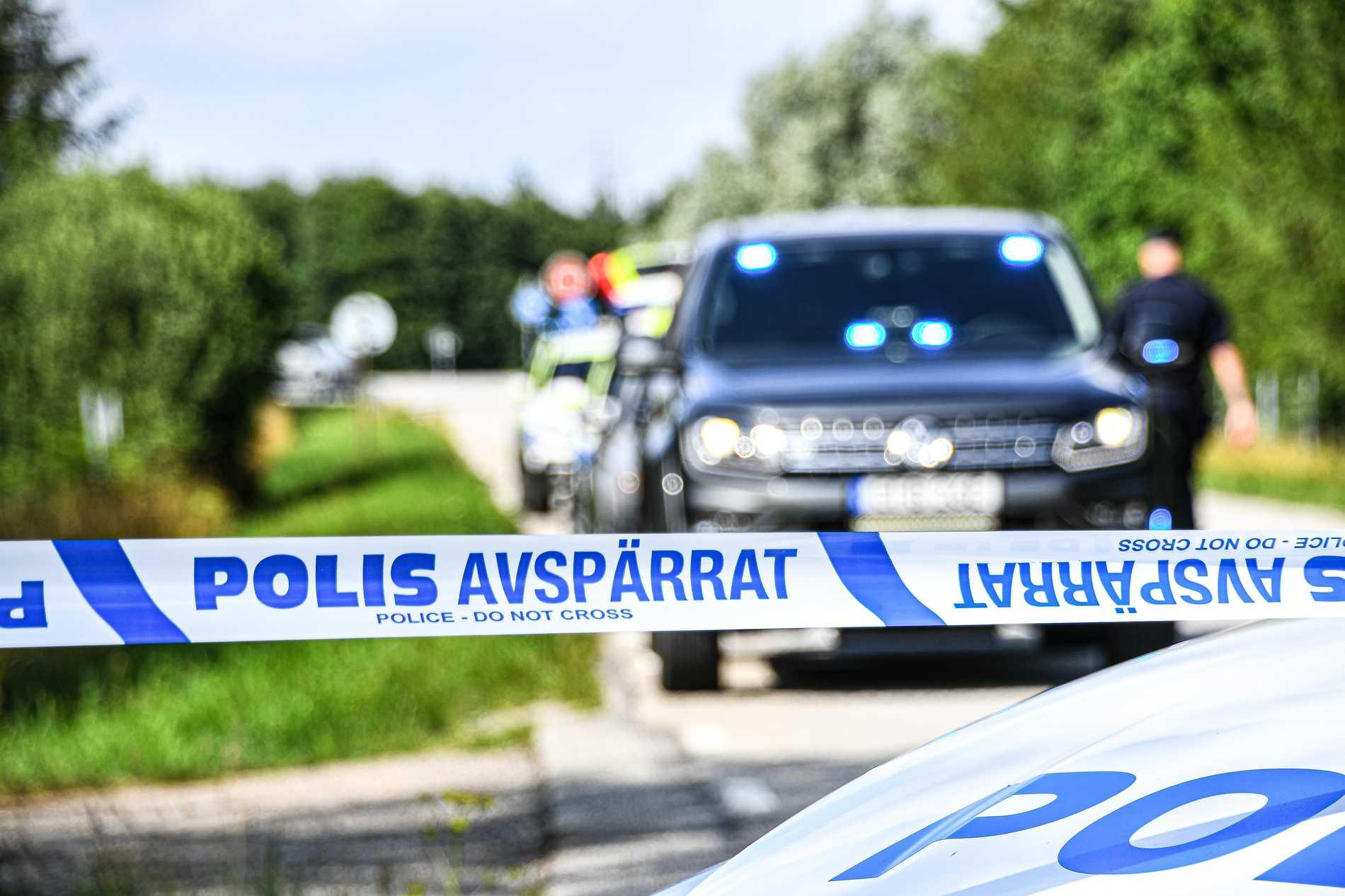 Misstänkta kvarlevor har hittats i terrängen utanför Svedala.