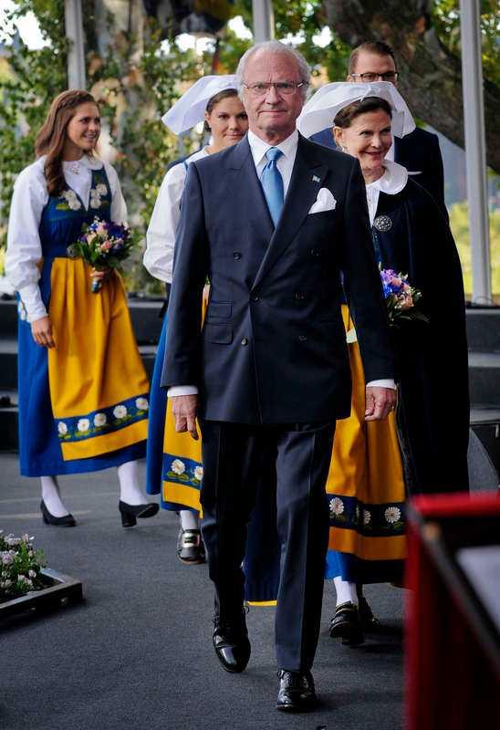Statsvetaren Andreas Johansson Heinö vill bota svensk främlingsrädsla med samling kring kungen, 6 juni och medborgartester.