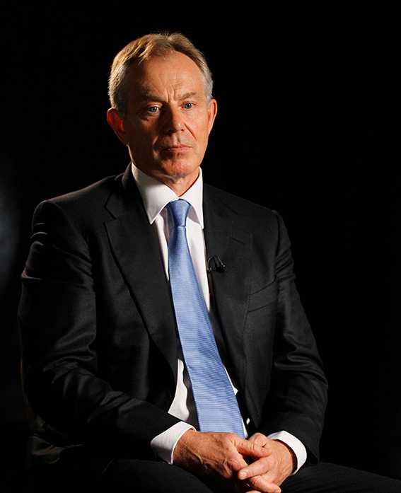 """""""Broken vows – Tony Blair, the tragedy of power"""" är lättläst, men stundtals svår att hänga med i för den som inte känner persongalleriet."""