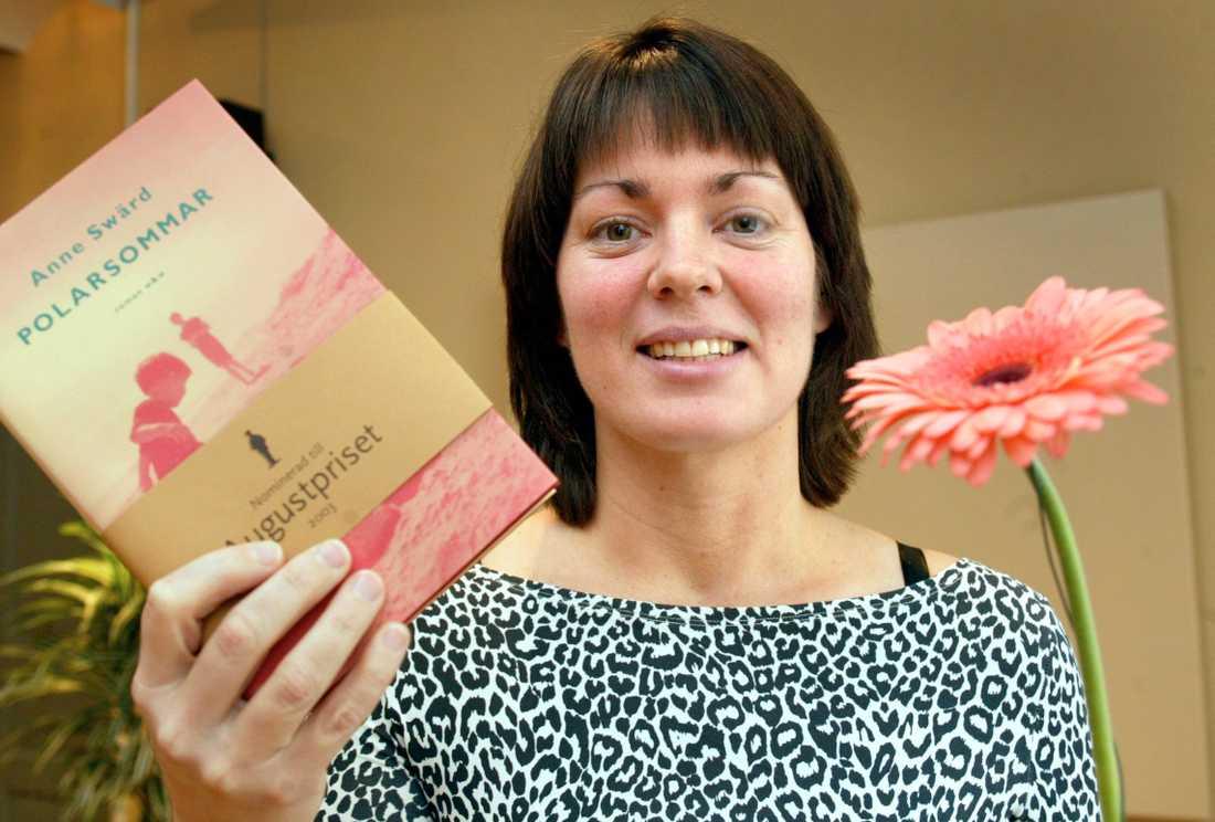Författaren Anne Swärd har valts in på stol nummer 13.