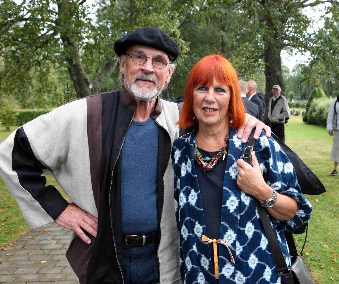 Ulrika Hydman Vallien med sin make Bertil Vallien på exministern Ulrica Messings bröllop 2009.