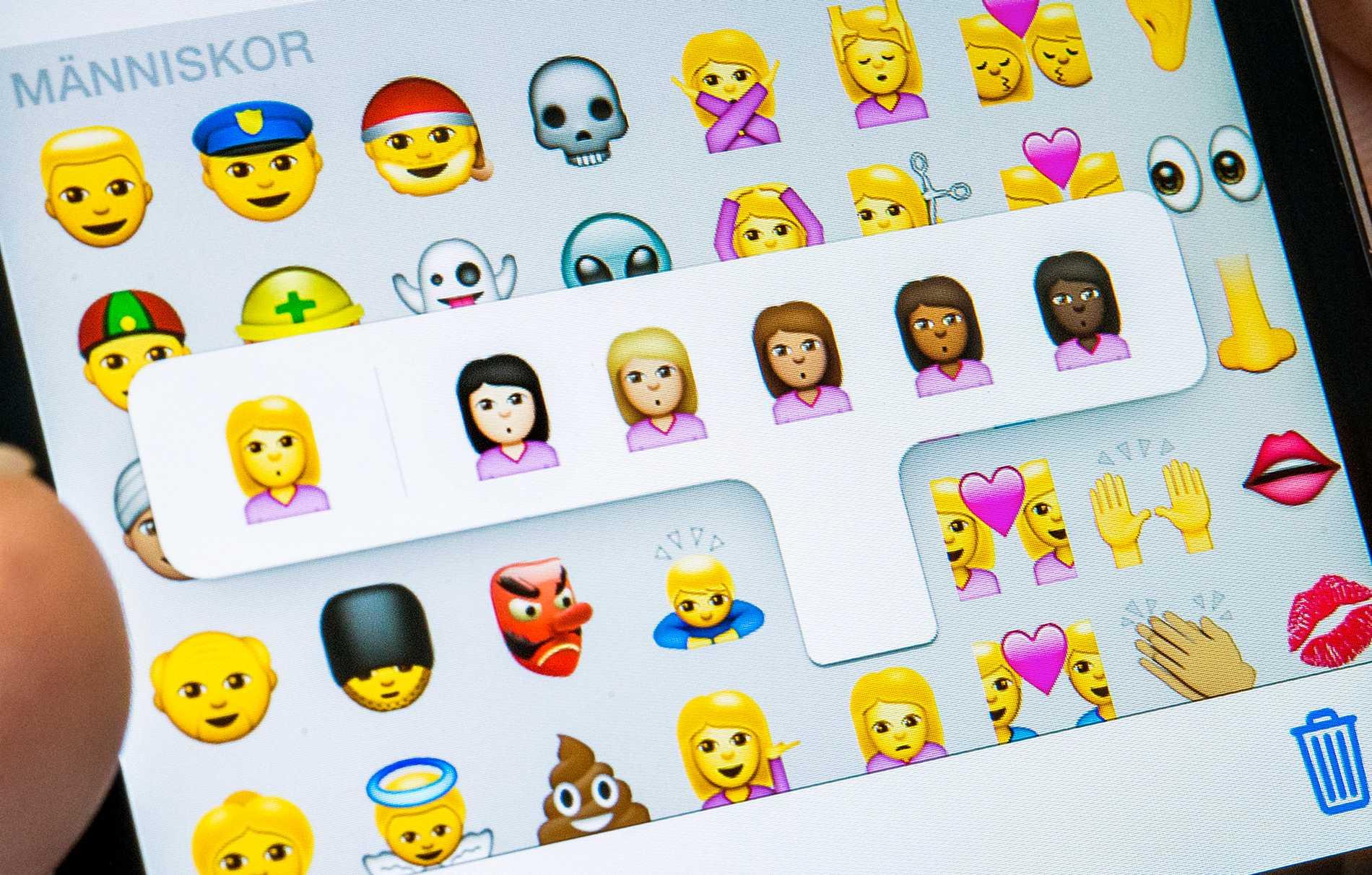 Nya symboler är på gång med fler hudfärgsalternativ för amorösa emojier. Arkivbild.