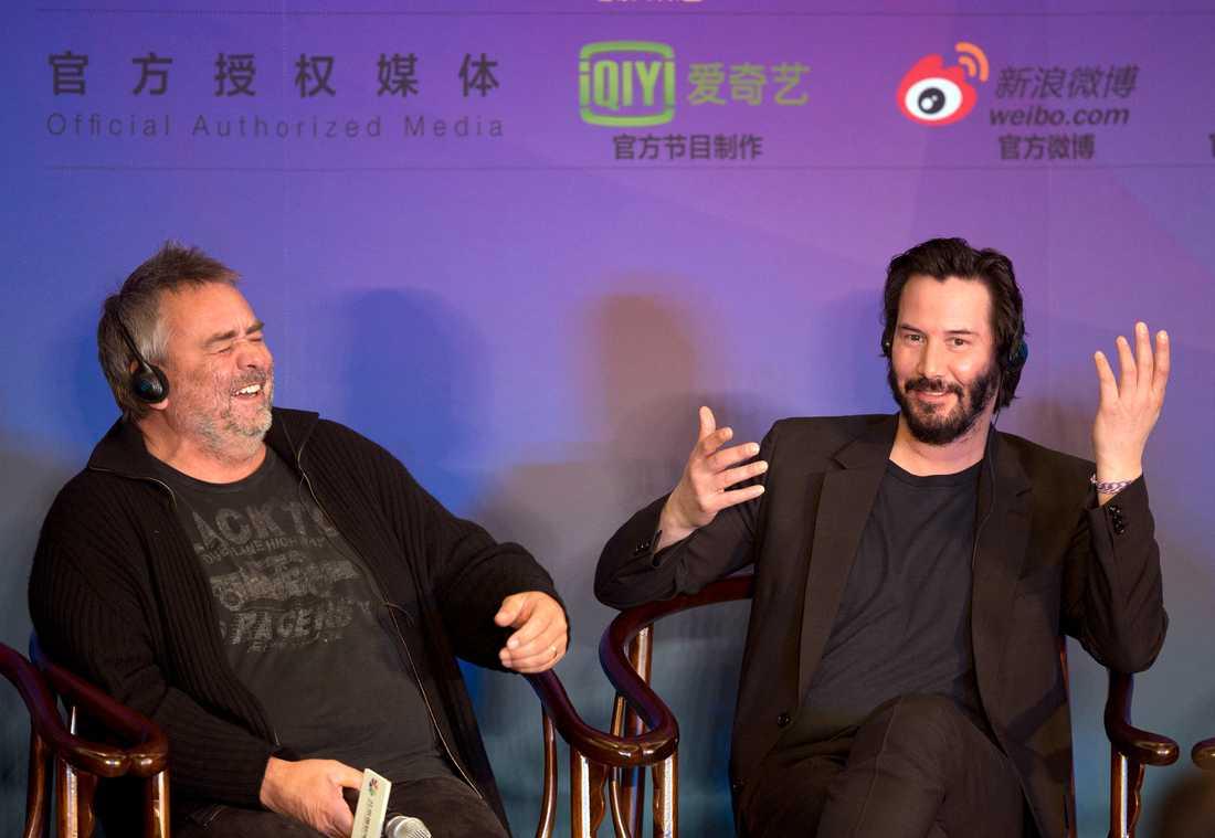 Luc Besson, här tillsammans med Keanu Reeves, anklagas för våldtäkt.