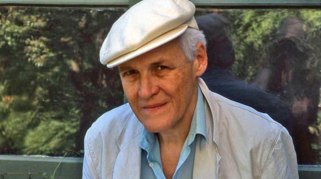 Författaren Carl-Henning Wijkmark är död. Han blev 85 år.