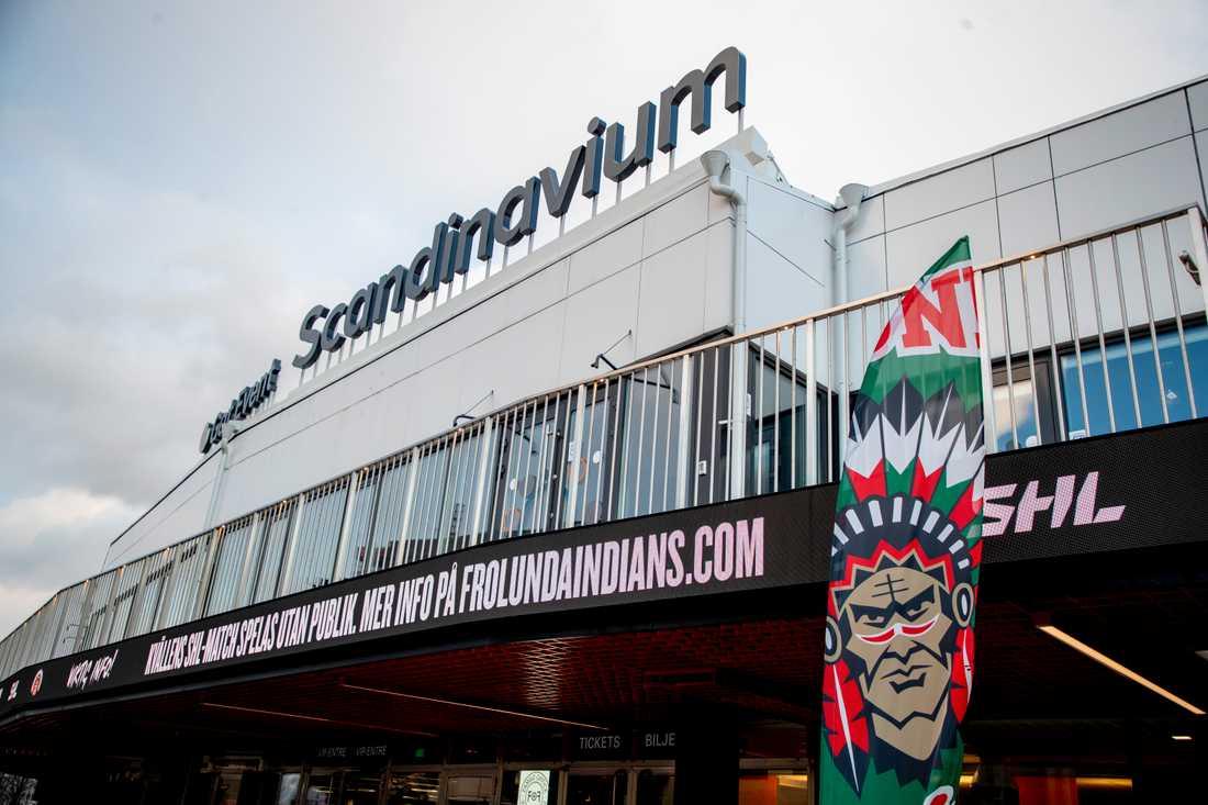 SHL-klubben Frölunda permitterar spelare och personal och stänger ned verksamheten till den 30 april. Arkivbild.