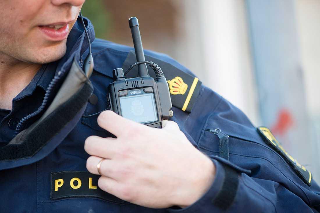 Hundratals poliser runt om i landet vittnar om allt mer våld och hot på jobbet.