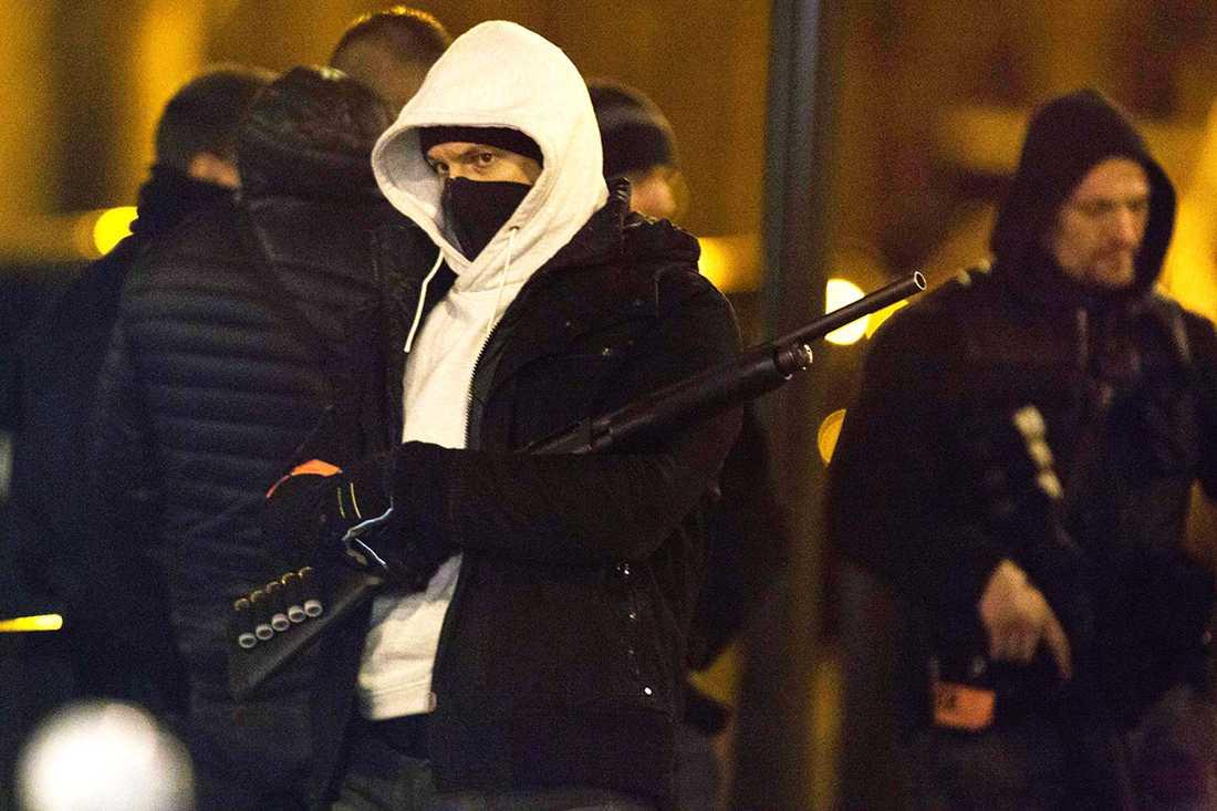 Gripande i Paris tre dagar efter terrordådet.