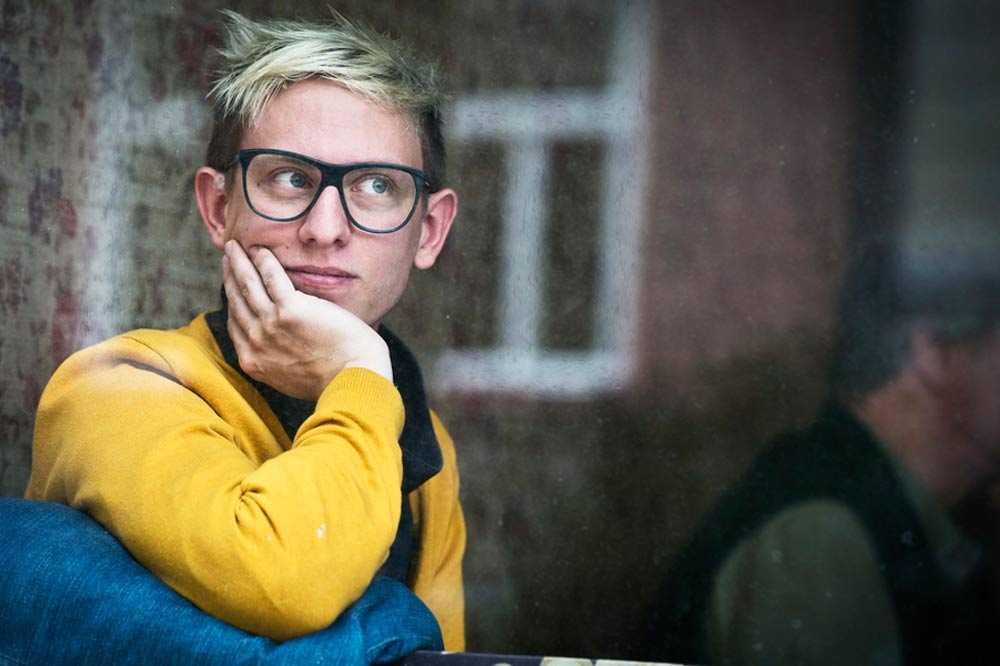 """Erik Engkvist är personen Jonas Gardell intervjuat som bakgrund till karaktären Benjamin i """"Torka aldrig tårar utan handskar""""."""