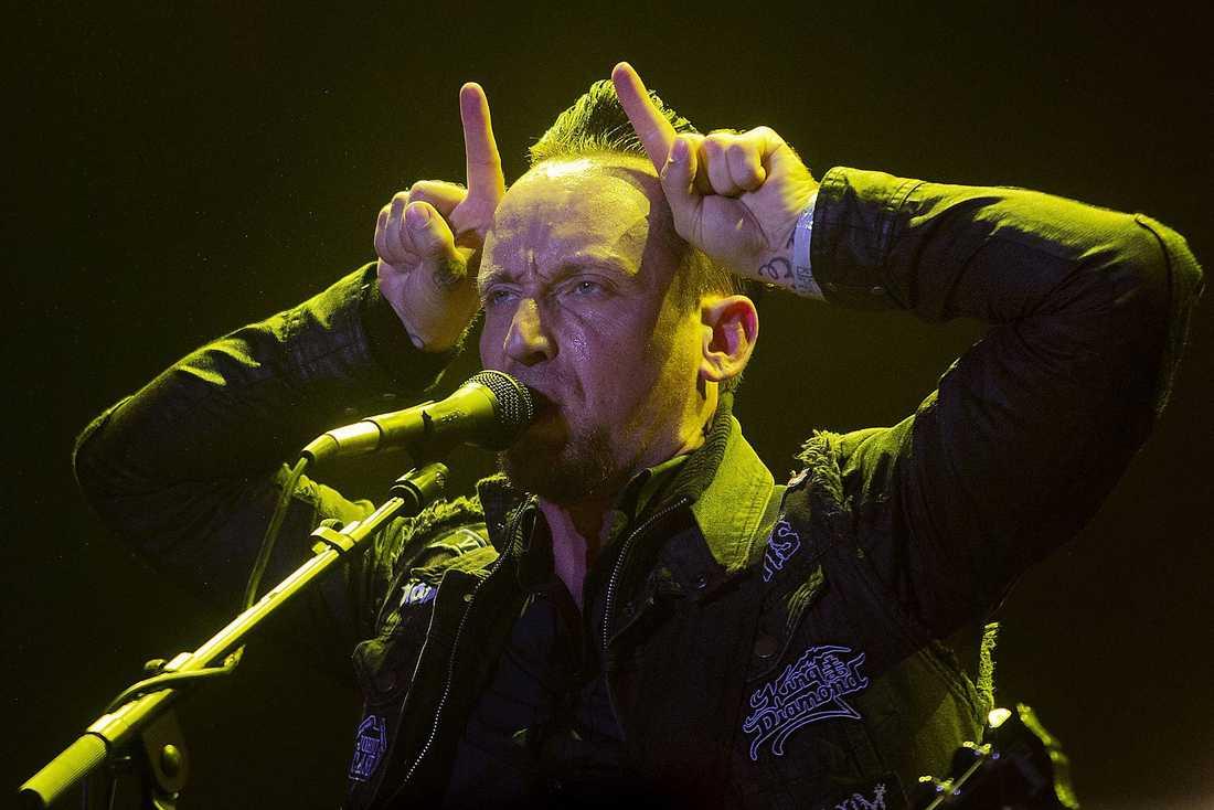 UPPTAGGAD  Sångaren Michael Poulsen och Volbeat tar sin uppgift på allvar och visar att de är ett headlineband värdigt Sweden Rock.