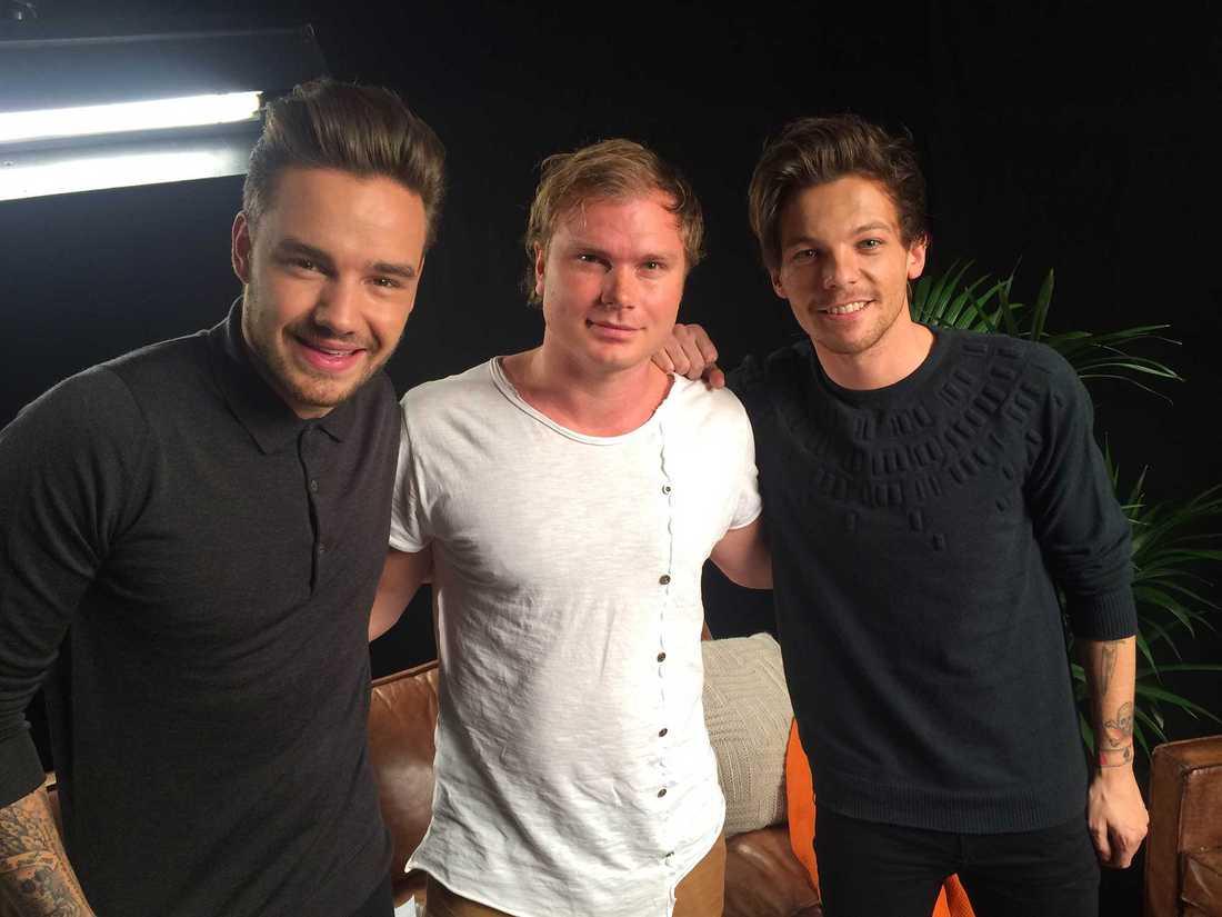 Nöjesbladets Petter Larsson (i mitten) träffade Liam Payne och Louis Tomlinson från One Direction i London.