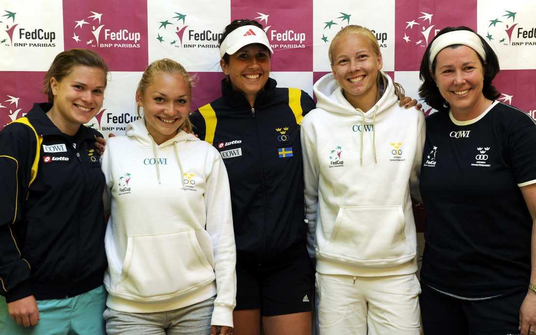 Maria Strandlund Tomsvik, höger, är landslagstränare och har tidigare varit kapten för Sveriges Fed Cup-lag. Arkivbild.