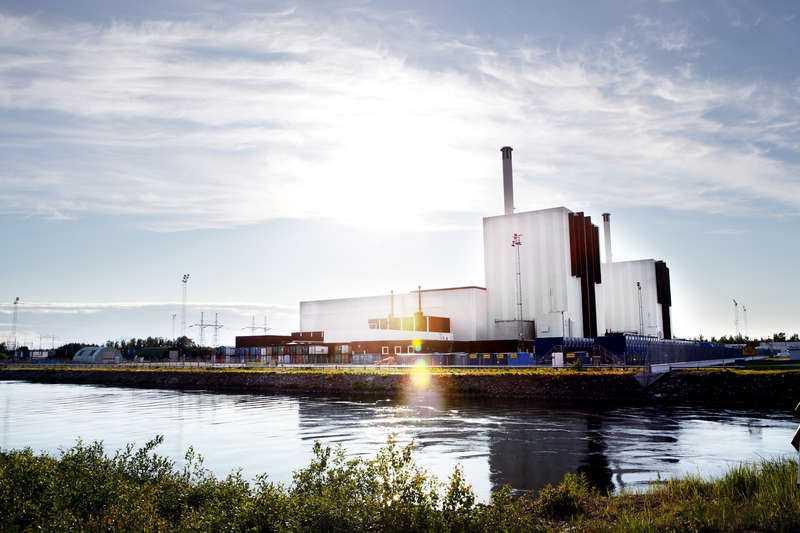 Regeringen låter kärnkraftsbolagen sätta villkoren för skattebetalarna, skriver debattörerna.