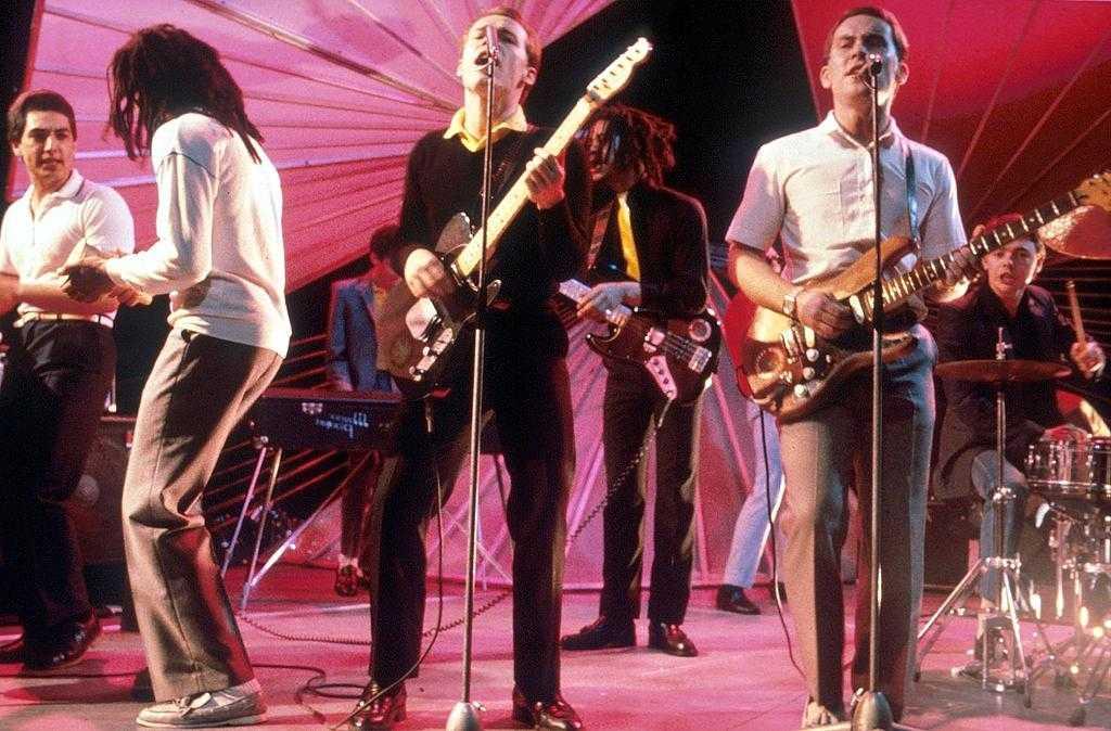 Bandet UB40 under en spelning.