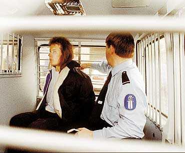Trippelmördaren Valjakkala har försökt fly flera gånger. Bilden är tagen 1994 när han lyckades vara på fri fot i tre och en halv timme innan han fångades.