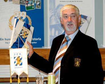 Åter i styrelsen Bengt Halse, 62, hoppade av posten som ordförande i Blåvitt i fredags. På tisdag väntas han vara tillbaka i klubben.