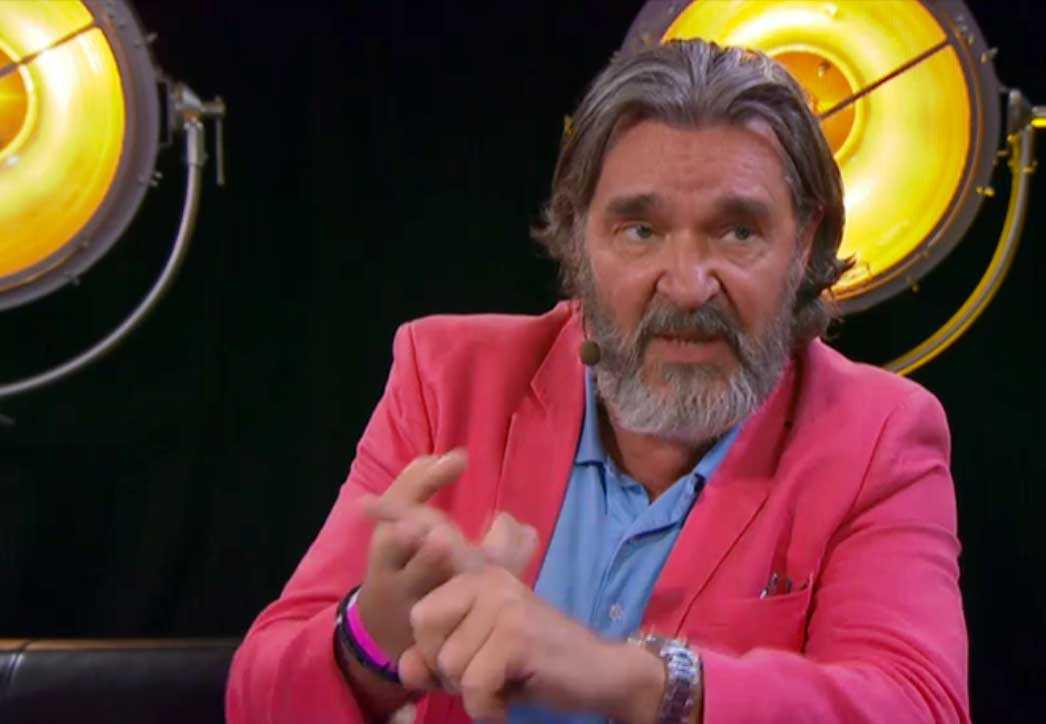 "Kjell Bergqvist i ""Hela Sverige skramlar""."