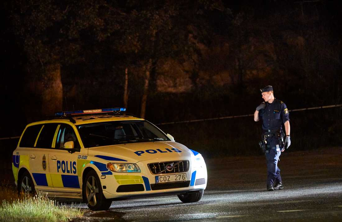 Polisen spärrade av området i Sollentuna efter händelsen.