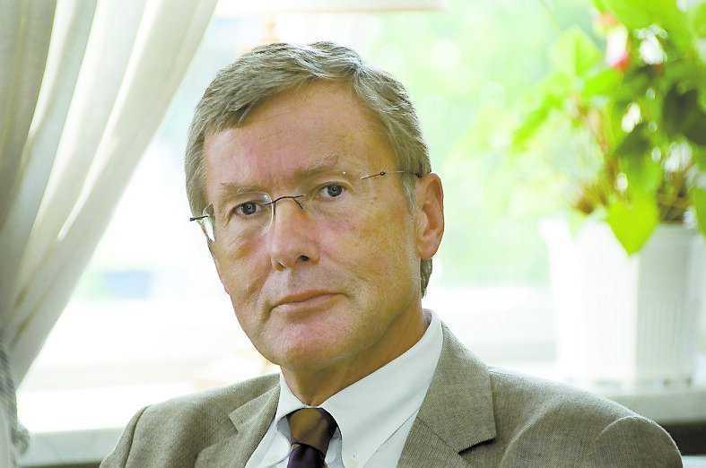 Göran Tunhammar, 62, styrelseordförande AMF Pension: – Lönesystem ska inte bara fungera i vackert väder utan även i dessa tider. Vi håller sedan februari på att göra om dem och har efter kritiken också avskaffat den rörliga ersättningen för vd och vice vd.