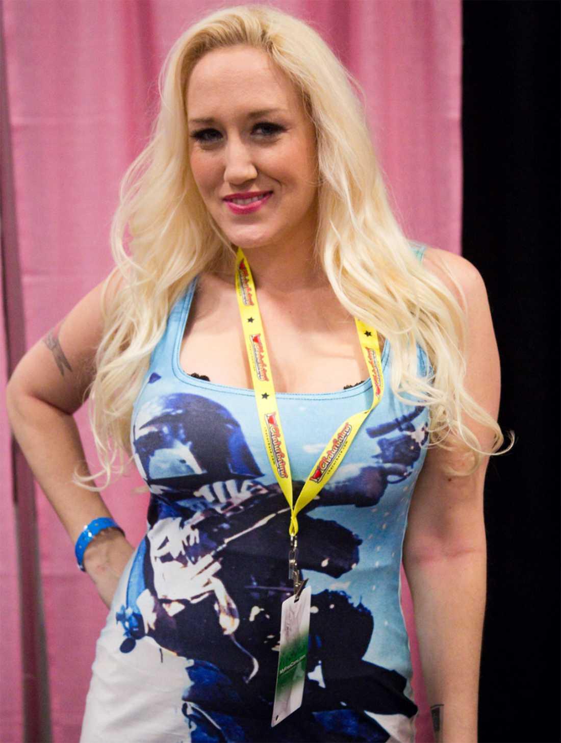 Porrstjärnan Alana Evans.